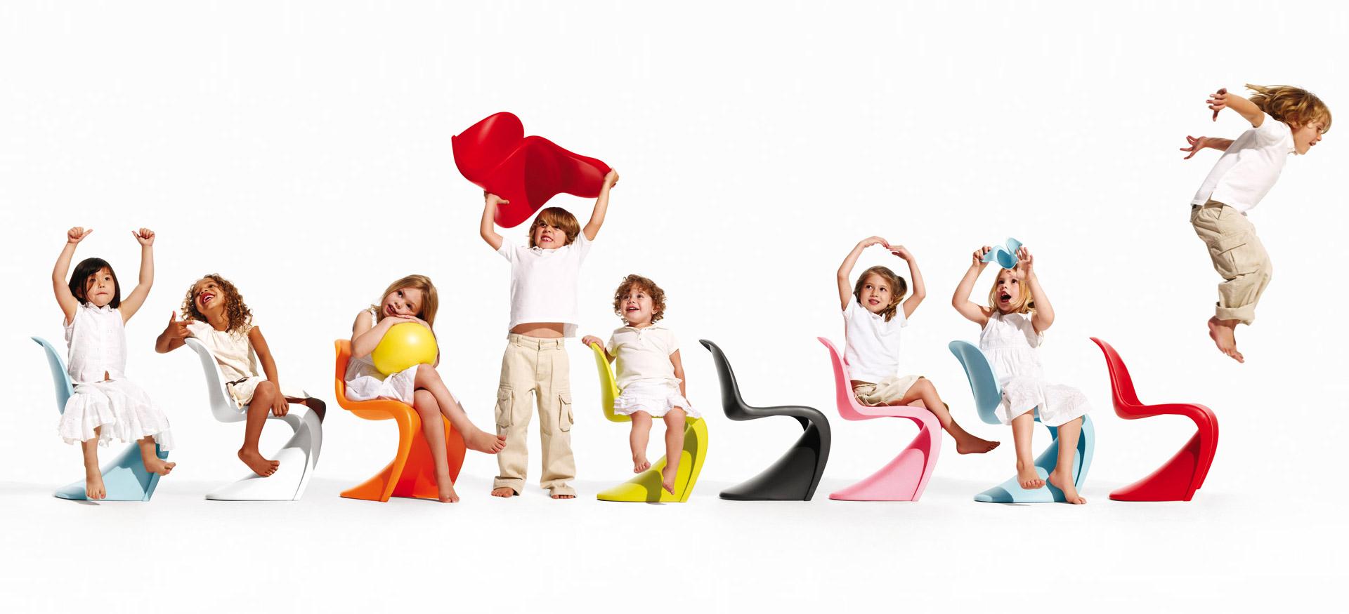 Matná dětská židle Panton Junior z polypropylenu od značky Vitra. © Vitra